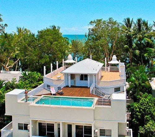 Sarayi Palm Cove Boutique Hotel