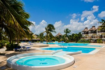 Akumal Beach Resort Reviews
