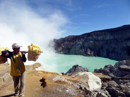 Climbing an Indonesian Volcano with Kids