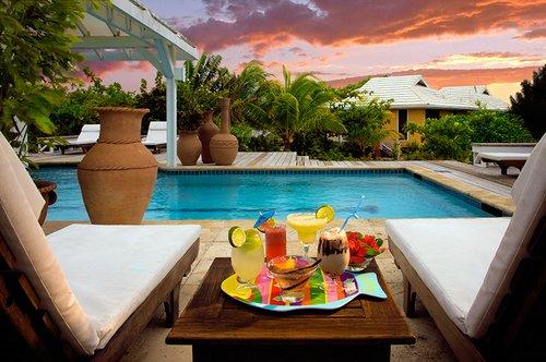 Barefoot Cay Roatan Resort