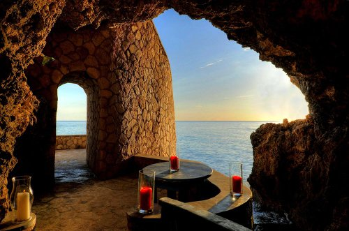 Caves Negril Couples Hotel