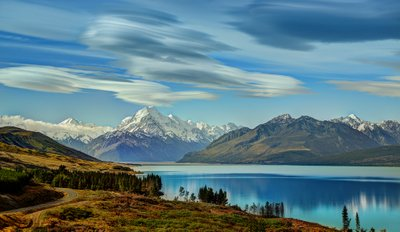 The Road to Mount Cook along Lake Pukaki Stuck