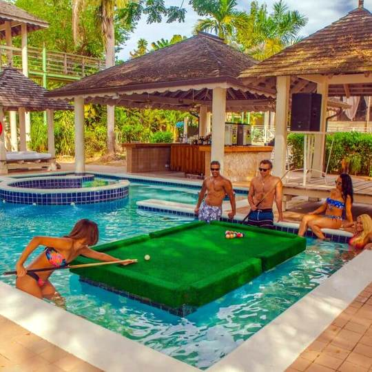 Hedinism 2 Singles Resort in Jamaica