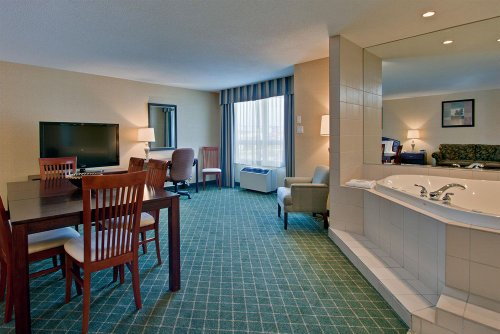 Holiday Inn Express Hotel & Suites Collingwood, Ontario, Canada