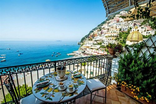Luxury resorts in europe for Great small hotels italy