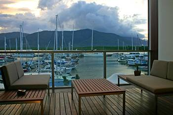 Shangri-La Cairns Resort Hotel
