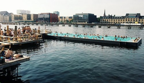 One of the many open air pools around Berlin