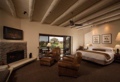 Guestrooms at Boulders Resort & Spa