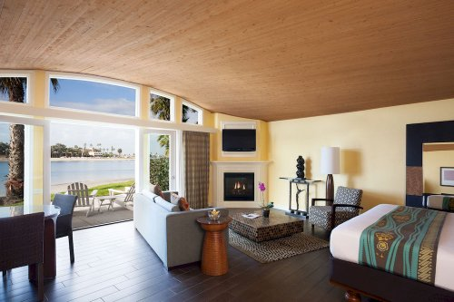 Guestroom at Paradise Point Resort & Spa, San Diego