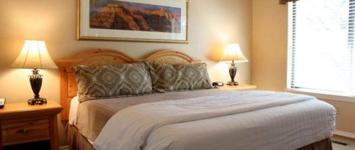Guestrooms at Wyndham Flagstaff Resort